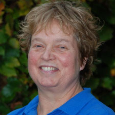 Denise de Wan Paardrij-instructrice FPG, contactpersoon voor vrijwilligers en stagiaires stichting CAP